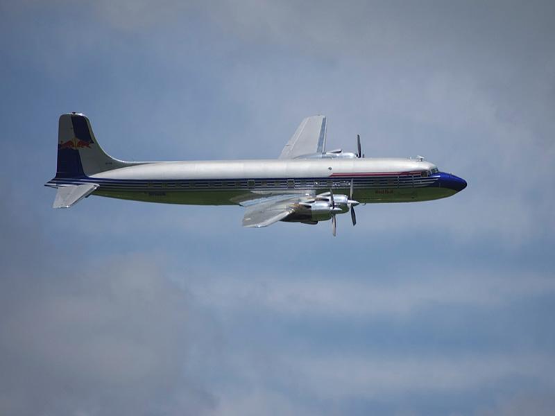 MH3 - Die DC-6 der Flying Bulls © Martin Hubmann