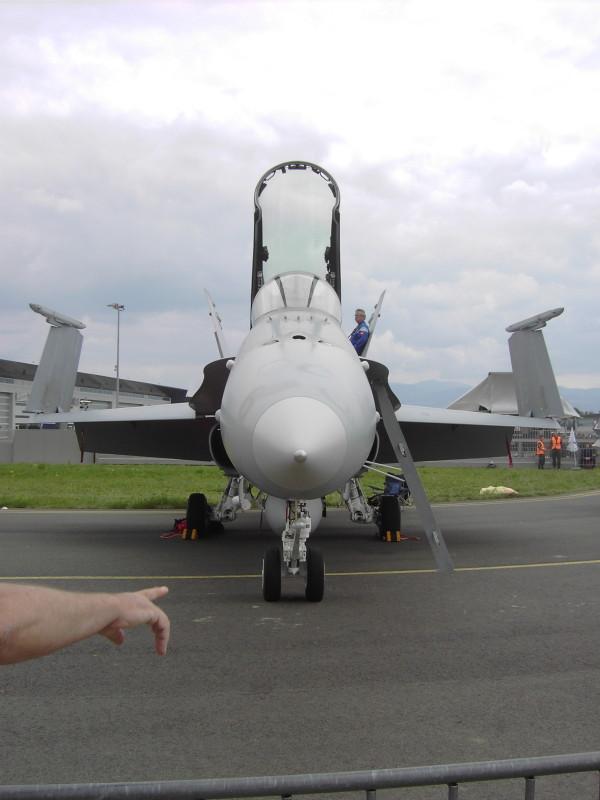 MP2 - F-18 als Aussichtsplattform © Markus P.