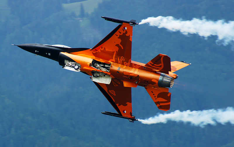 OO1: Lockheed Martin F-16 MLU Fighting Falcon © Oliver Oszwald