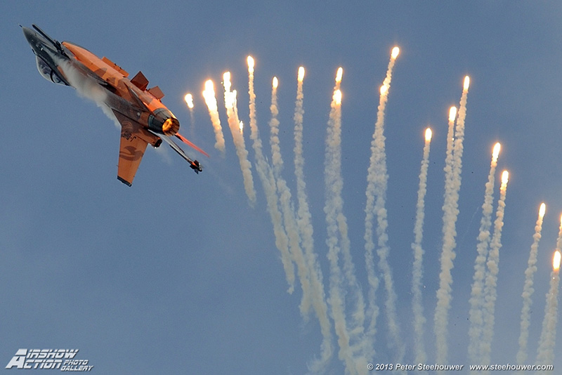 PS2 - Dutch F16 demo team © Peter Steehouwer