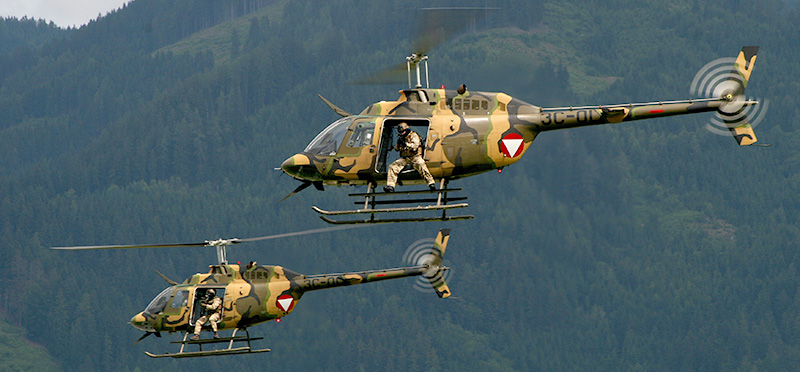 TD3 - Truppenvorführung der Austrian Air Force (2x Bell OH-58B Kiowa) © Tim Donell