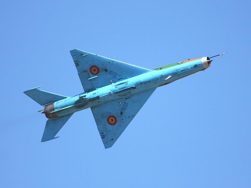 176 Mikoyan-Gurevich MiG-21 UM Lancer B