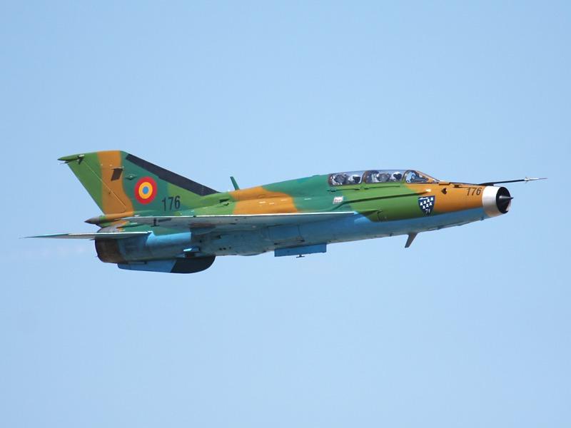 176 Mikoyan-Gurevich MiG-21 UM Lancer B Doppelsitzer der rumänischen Luftwaffe