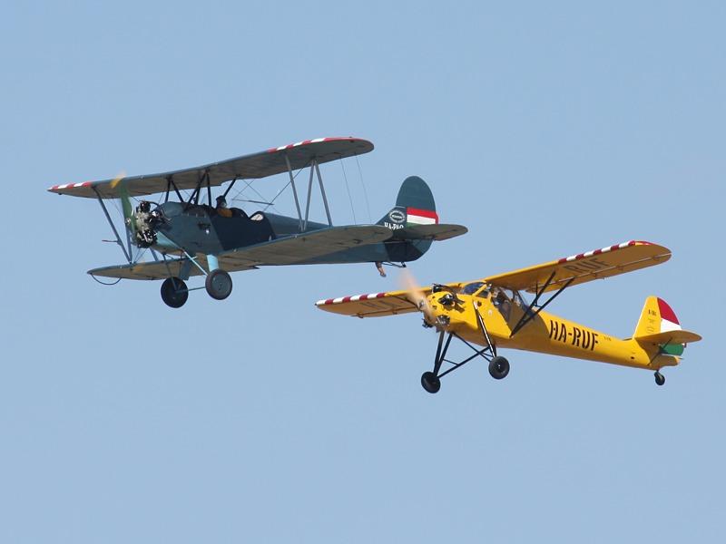Polikarpow Po-2 Doppeldecker und Rubik R-18c Kánya