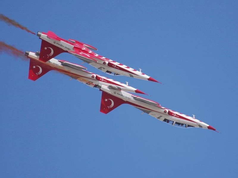 Der Doppelitzer ist ein Northrop NF-5B Freedom Fighter