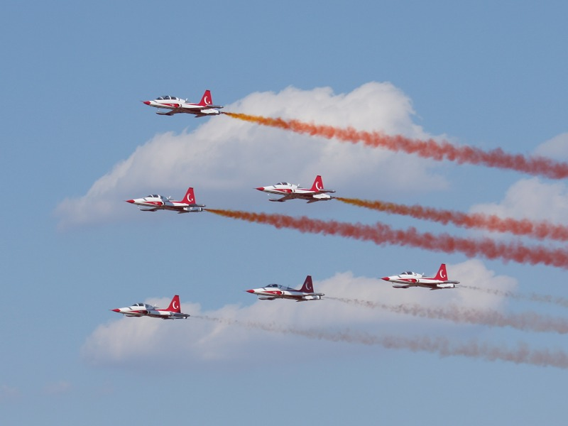 Die Turkish Stars - das Kunstflugteam der türkischen Luftstreitkräfte