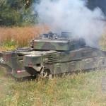 Die Panzergrenadiere gehen besteigen wieder ihre Schützenpanzer