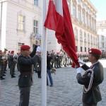 Das Hissen der Flagge © Doppeladler.com