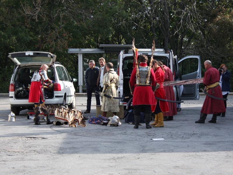 Polnische Hussaria. Die Flügelreiter kommen anno 2013 mit dem PKW © Doppeladler.com