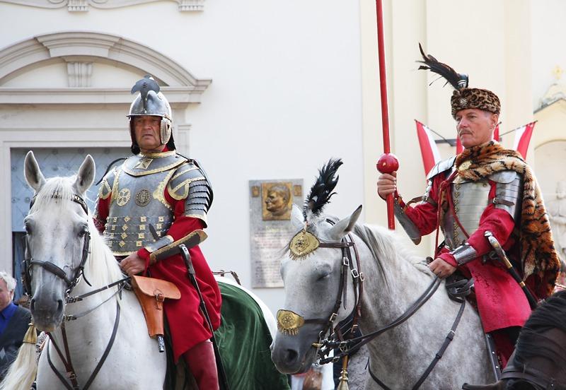 Polnische Reiterei vor der St. Josefskirche © Doppeladler.com