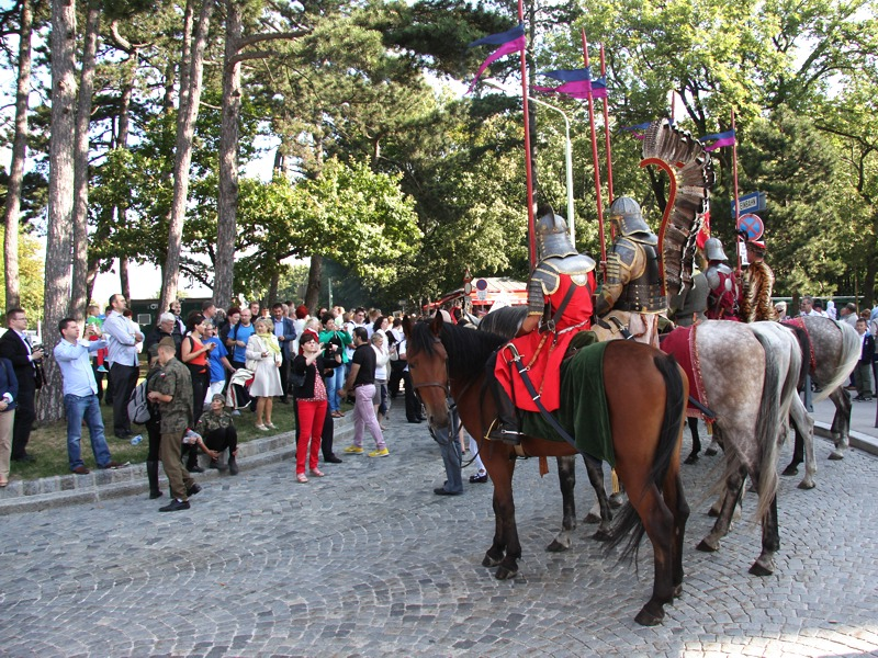 Jeder möchte ein Foto von und mit den Reitern © Doppeladler.com