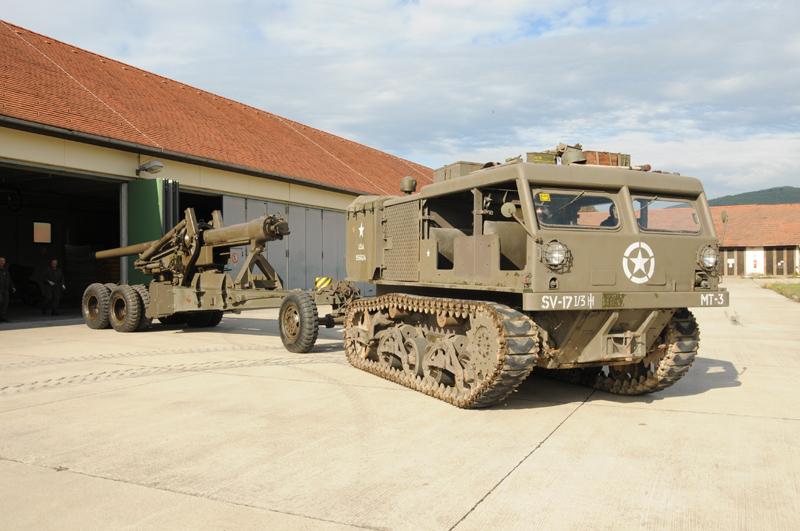 15,5cm schwere Feldkanone M.2 mit Kettenzugmaschine M4 © Strobl