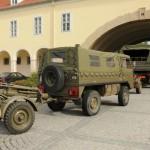 710 Pinzgauer als Zugfahrzeug für einen GRW des Instituts Artillerie der HTS © Strobl