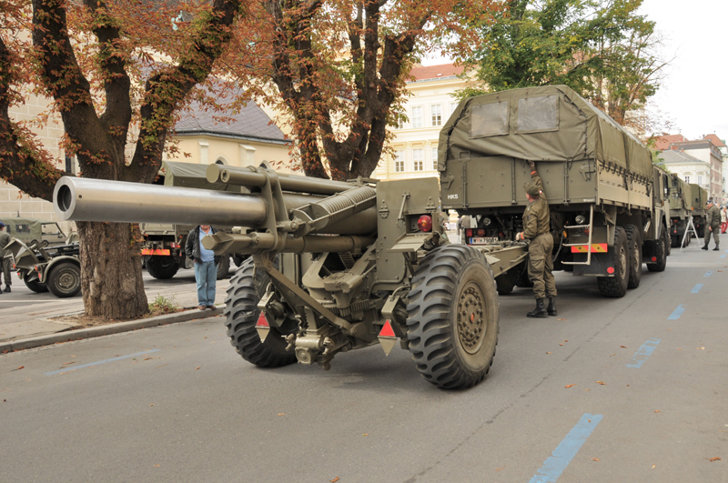 sFH M.1 mit Zugfahrzeug © Strobl
