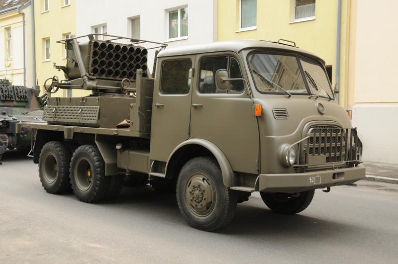 1988/89 wurden alle RakW auf Kaliber 12,8 cm umgerohrt © Strobl