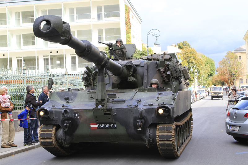 Und eine 15,5cm Panzerhaubitze M109A5Ö der Heerestruppenschule © Köröcz