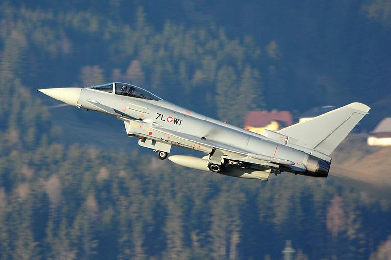 Eurofighter Typhoon 7L-WI startet zur nächsten Patrouille über Vorarlberg © Werner P