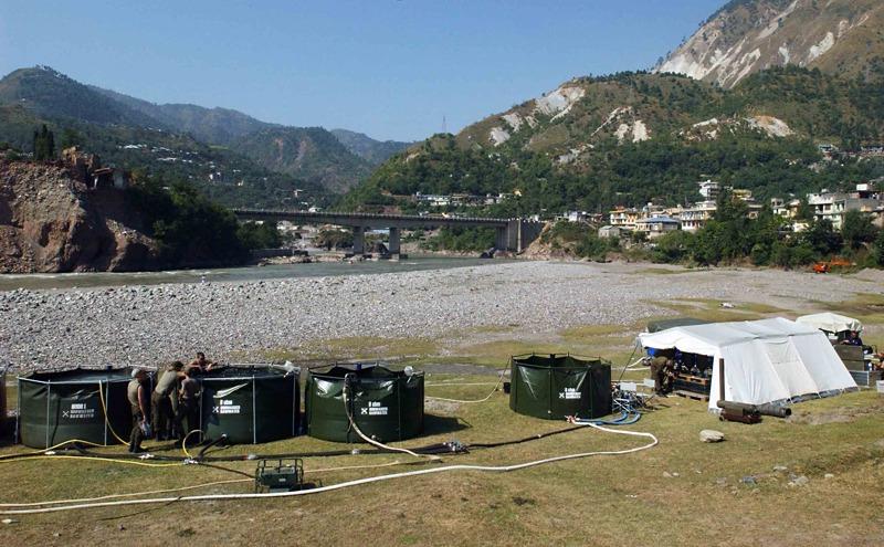 Trinkwasseraufbereitung in Pakistan im Jahr 2005 © Bundesheer