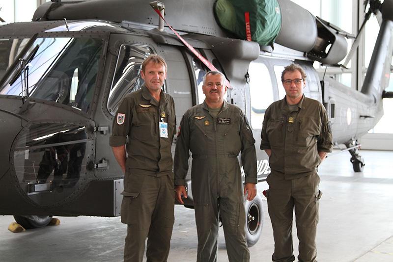 V.l.: Kontingentskommandant Oberstleutnant Leitner, Leiter Teilstab Luft Brigadier Gruber, Oberst Krispler bei der JAWTEX © Bundesheer