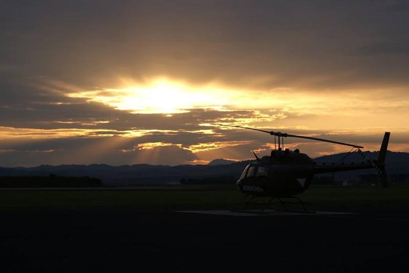 Kiowa im Sonnenuntergang © Slow. Streitkräfte