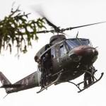 Eine Bell 412 setzt ein Zugriffsteam der slowenischen Militärpolizei ab © Goran Kroselj