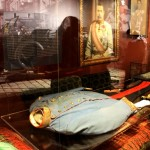 Der Aufbau der Artefakte rund um den schicksalsträchtigen Mord erlaubt eine Besichtigung aus nächster Nähe