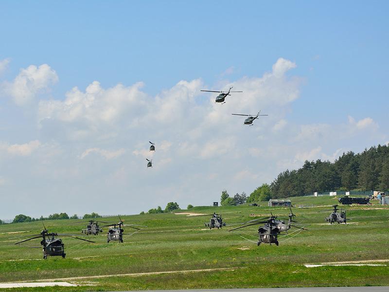 Die AB-212 starten in Hohenfels © 2.l. THSSTA