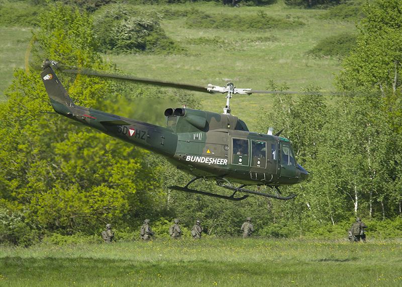 Agusta Bell AB-212 5D-HZ © US Army JMTC