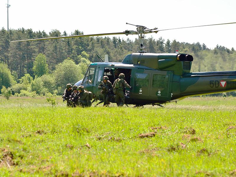 Agusta Bell AB-212 5D-HR © 2.l. THSSTA