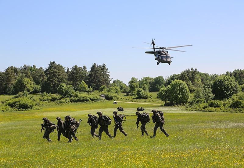 Luftlandung des JgB25 © US Army JMTC