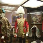 Lebensgroße Figuren aus der permanenten Ausstellung des HGM