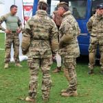 Uniformvarianten mit Pixeltarnung beim Jagdkommando