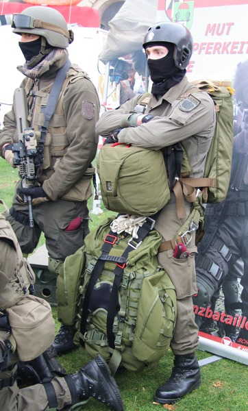 Fallschirmspringer des Jägerbataillons 25