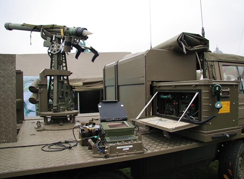 Über den Zieldatenempfänger bekommt der Trupp die Daten der Zielzuweisungsradargeräte
