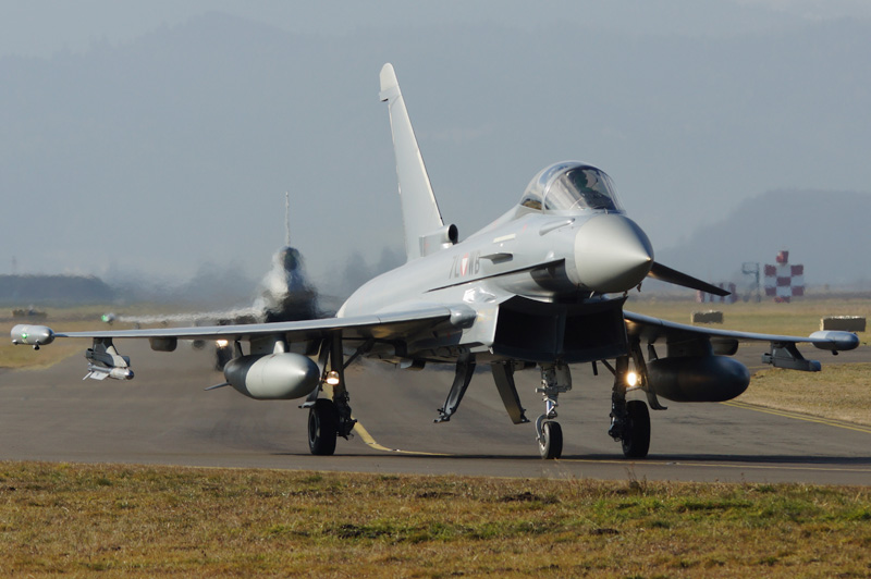 Eurofighter Typhoon rollen zum Start © Markus V