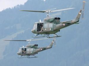 Agusta Bell AB-212 bei einer Luftlandung © Doppeladler.com