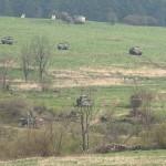 Die Mannschaftstransportpanzer Pandur bleiben in Deckung. Die Schützenpanzer gehen in den Nahkampf über © Doppeladler.com