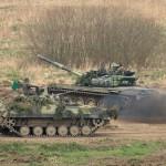 Schützenpanzer BVP 2 und Kampfpanzer T72 M4 CZ © Doppeladler.com