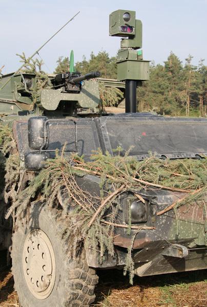 40 mm Granatmaschinenwaffe und Sensormast eines Fennek © Doppeladler.com