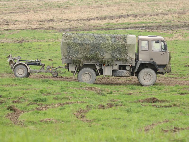 Steyr 12M18 zieht einen 120 mm schweren Granatwerfer sGrW 86 © Doppeladler.com