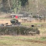 Deutsche Schützenpanzer und heimische Kampfpanzer rücken gemeinsam vor © Doppeladler.com