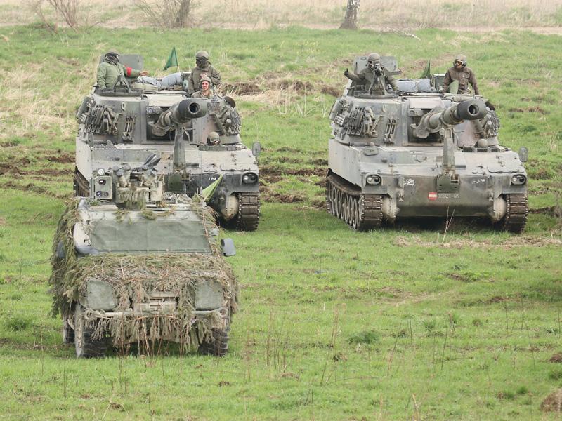Waffensysteme des Aufklärungs- und Artilleriebataillons - M109 und LMV © Doppeladler.com