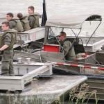 Die 25 t Fähre wird von einem M-Boot bewegt © Doppeladler.com