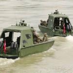 Arbeits- und Transportboote beim Auslaufen © Doppeladler.com