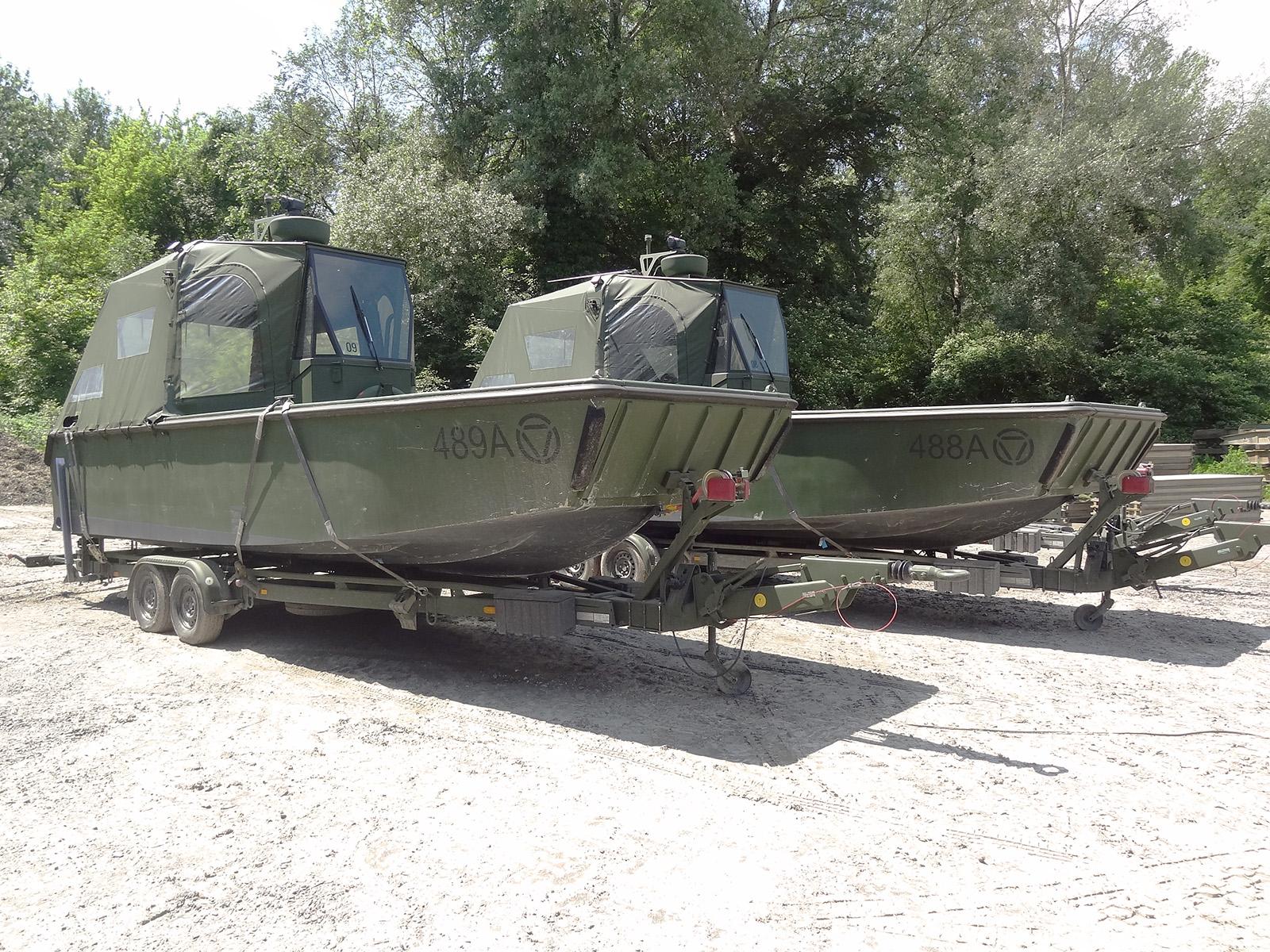 Arbeits- und Transportboot auf Harbeck BT20-35V Anhänger © Doppeladler.com