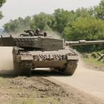 Nun rücken Kampfpanzer Leopard 2A4 zur Unterstützung heran © Doppeladler.com