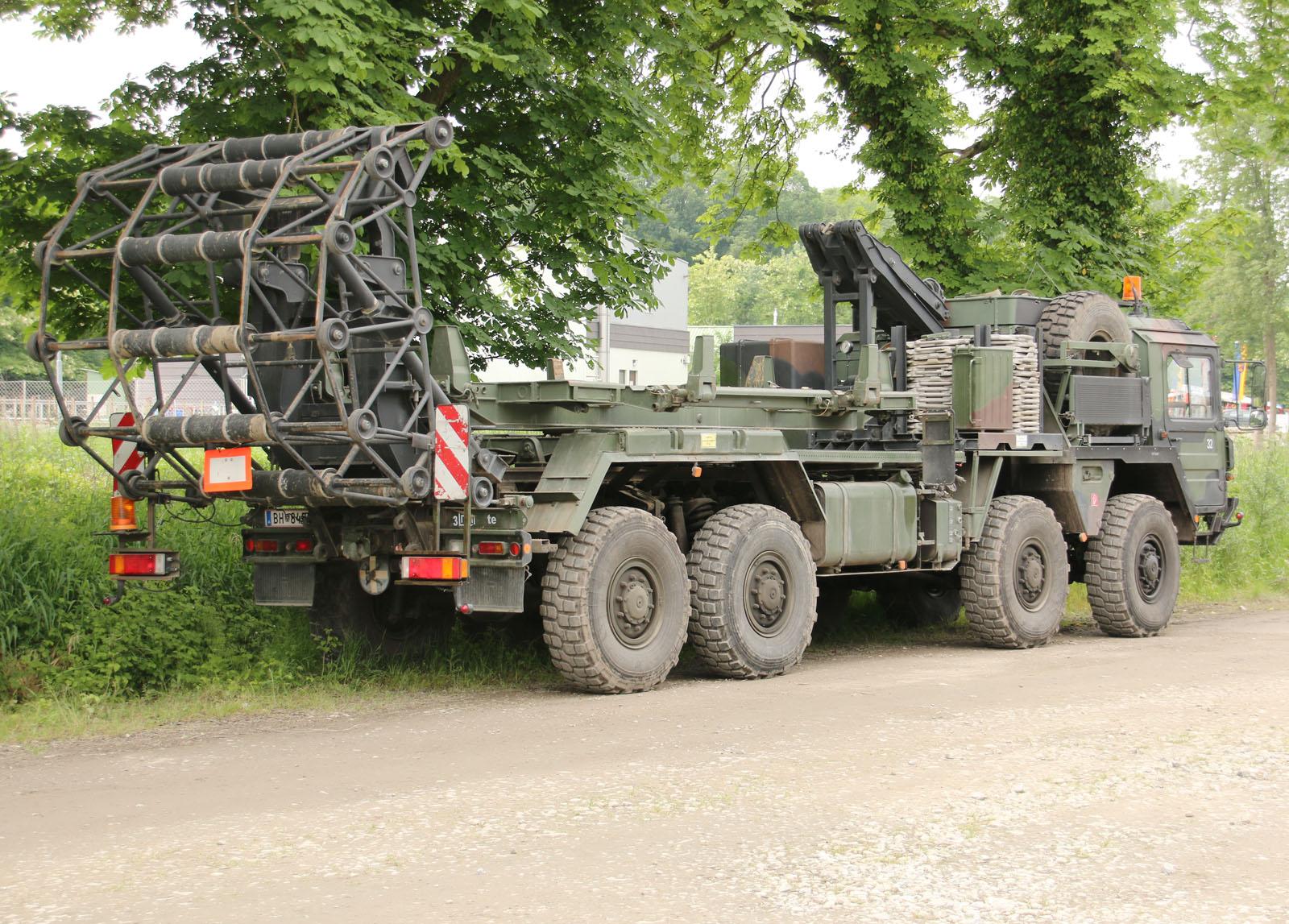 Plattform ist der LKW 15t mil glw KAT I A1 8x8 der MAN Nutzfahrzeuge AG © Doppeladler.com