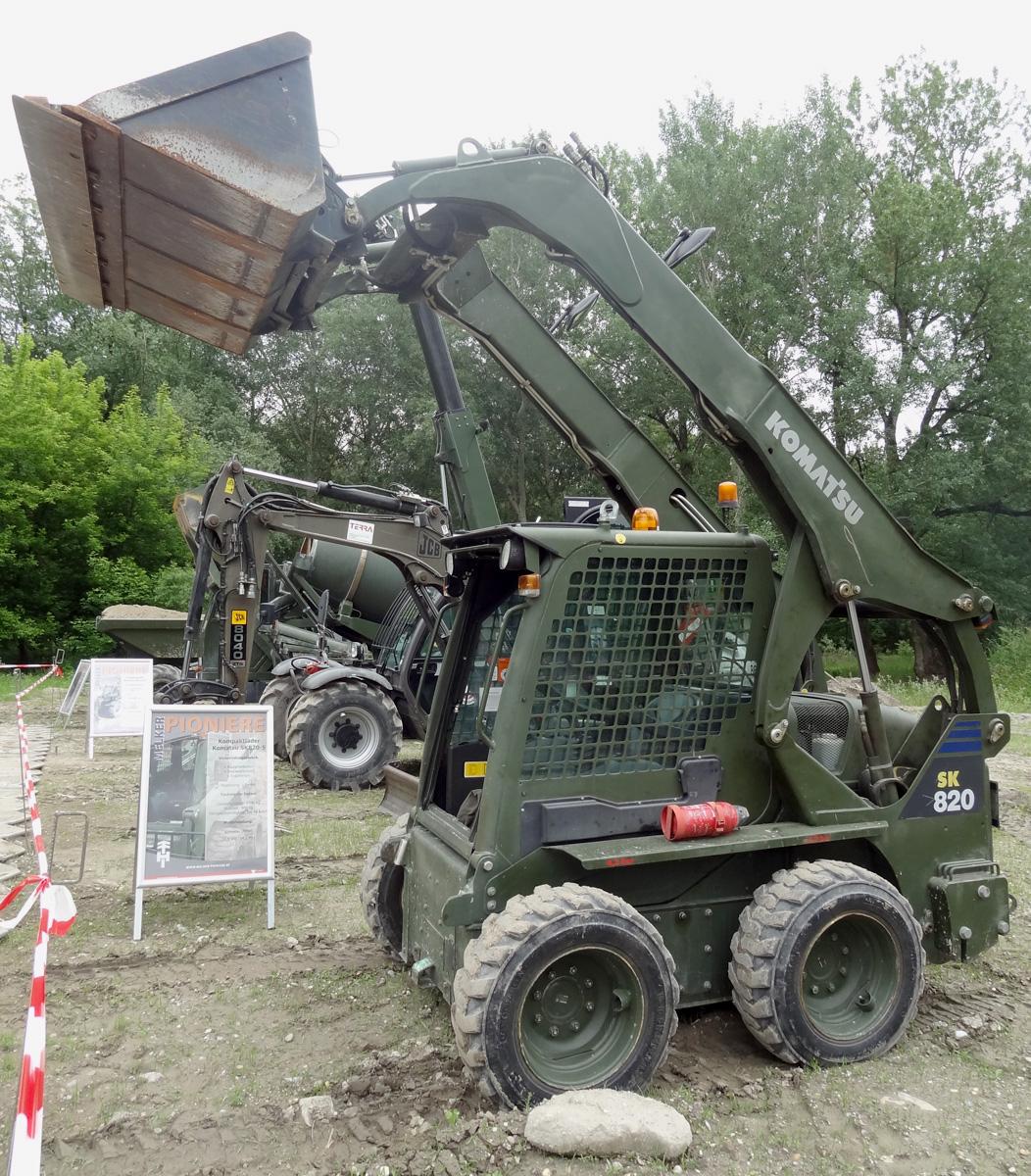 Kompaktlader Komatsu SK820-5 © Doppeladler.com