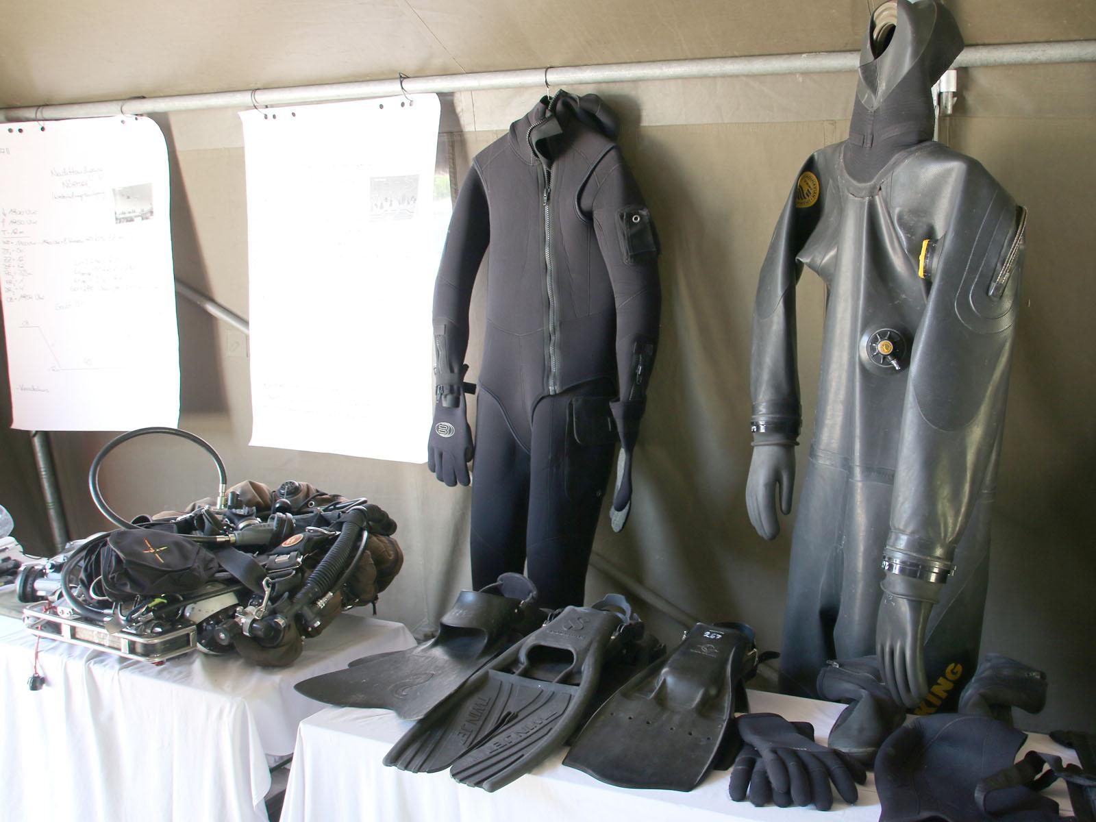Ausrüstungsteile der Pioniertaucher © Doppeladler.com