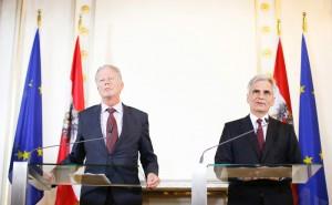 Bundeskanzler Faymann und Vizekanzler Mitterlehner bei der Pressekonferenz am 14.09.2015 © Bundeskanzleramt